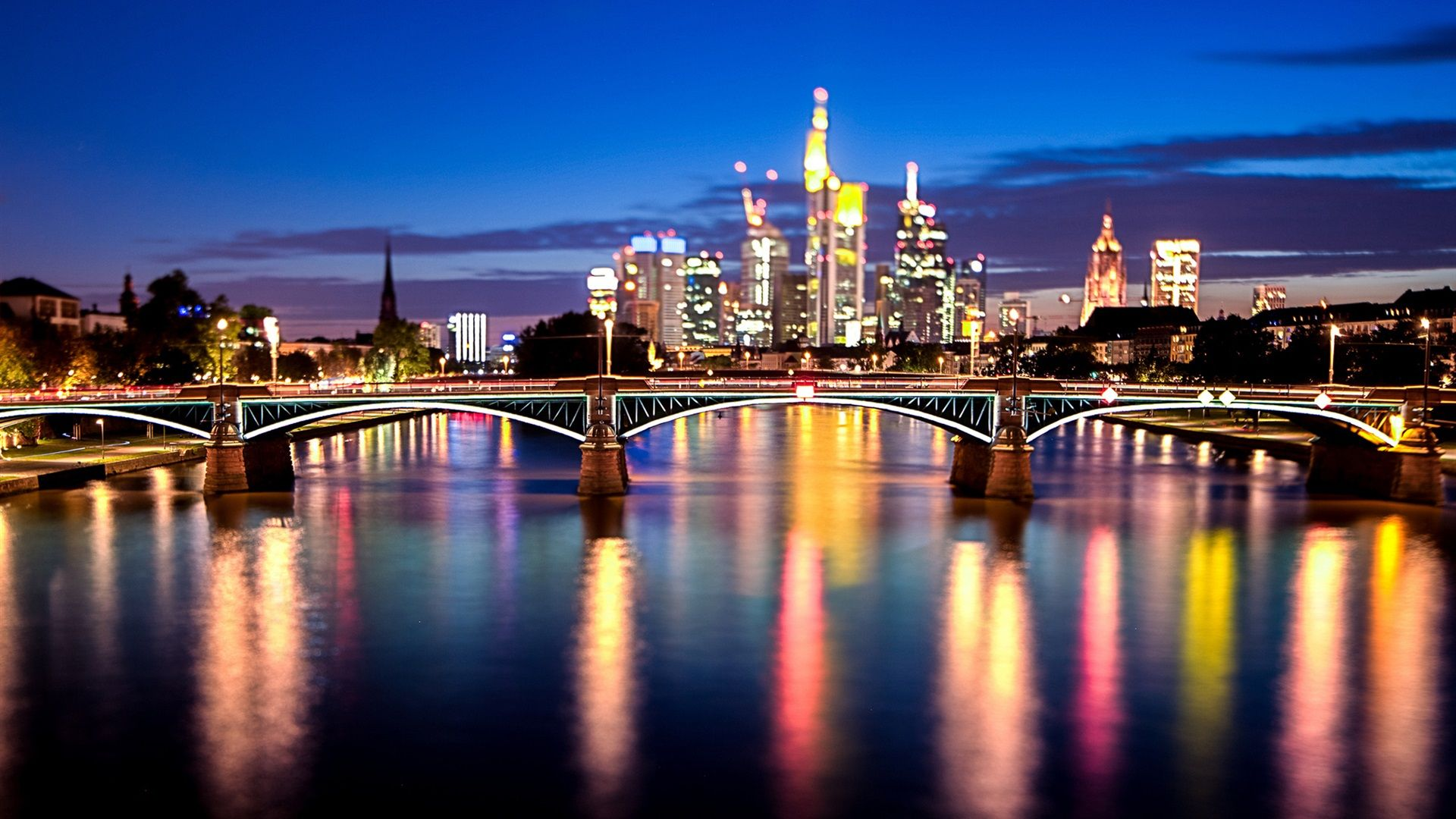 germany-city-at-night-wallpaper-2-compressor